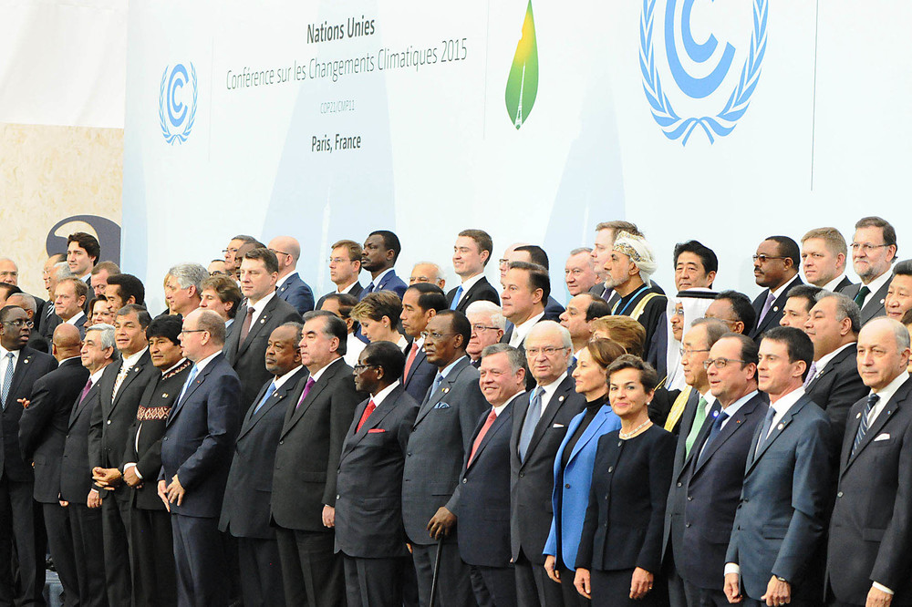 Negotiators gather for COP 21 in Paris, December 2015. Image courtesy of the UNFCCC, via Flickr.